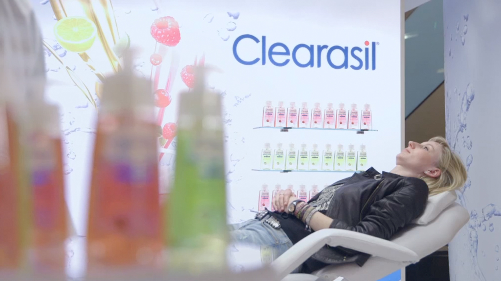 Clearasil TV comercial